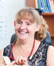 Photo of Dr Kerryn Lewin